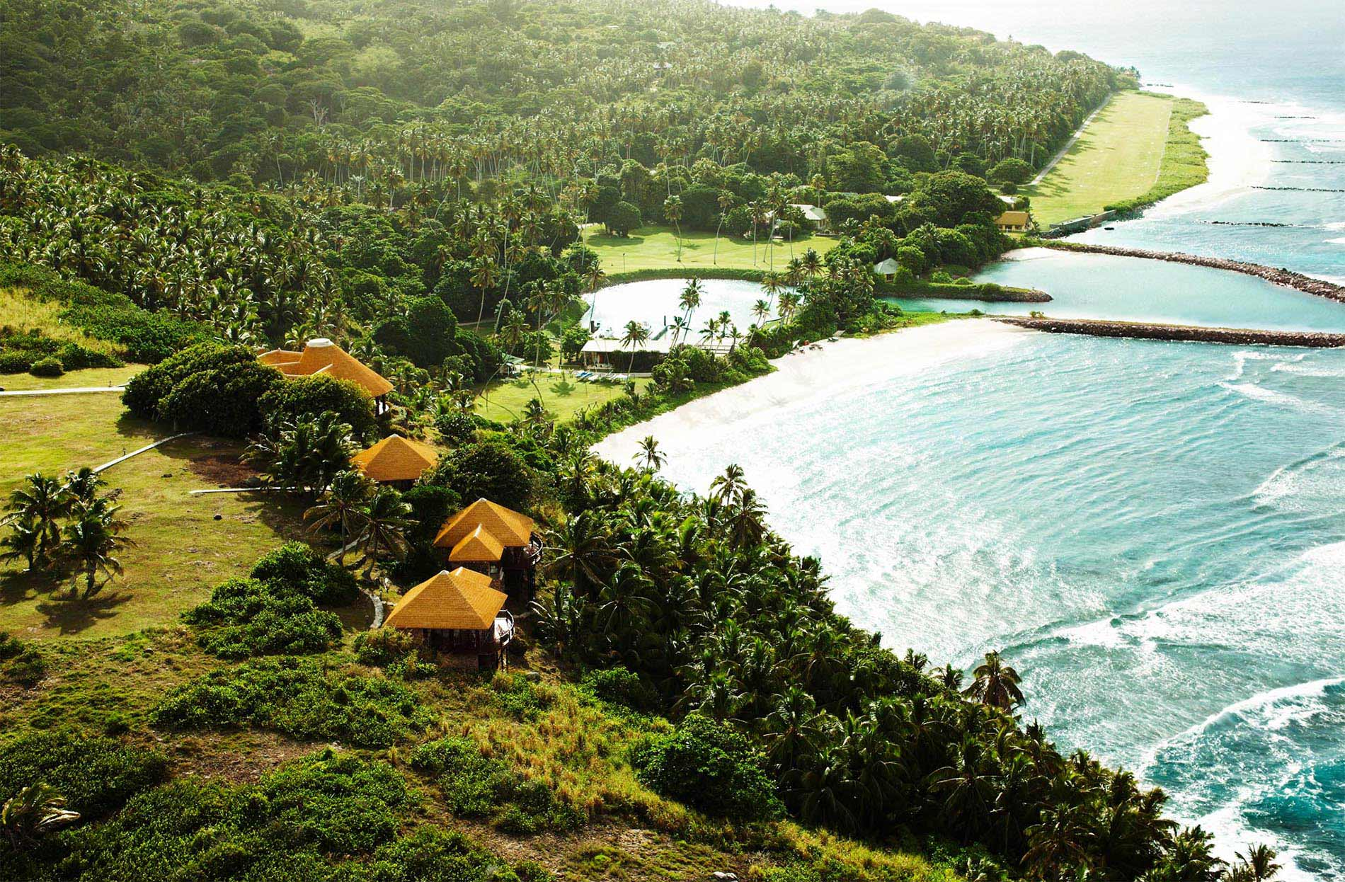 15809905930fregate_island_beautiful-residences_banyan-hill_.jfif
